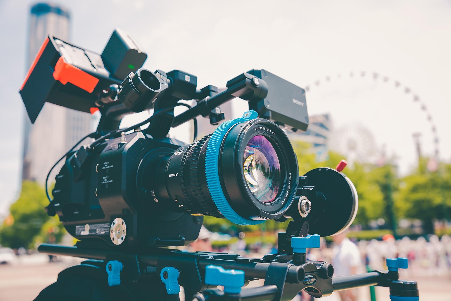 camera-1838936_1920.jpg